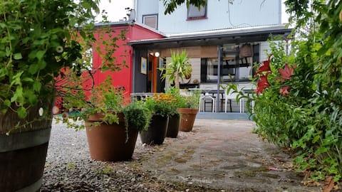 The Old Kiwi Garden Apartment