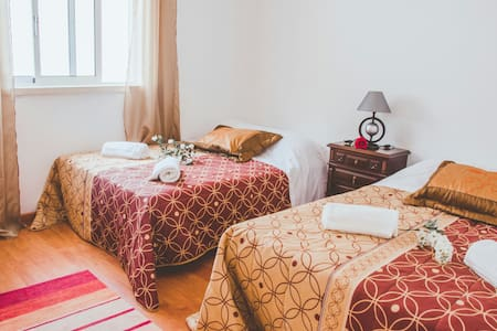 Private Room with Two Double beds - Alcobaça