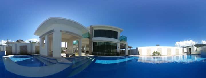 Casa Alta:Luxury Villa for 40, Pool, Mountain View