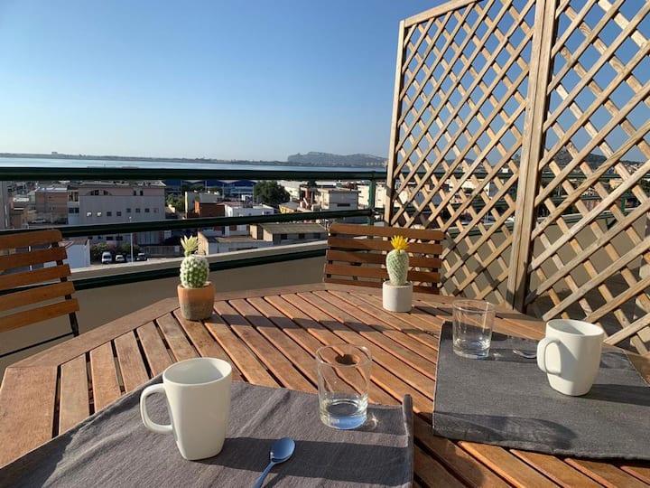 Panoramic Sport Apartment: vista golfo di Cagliari