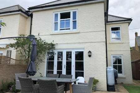 Stylish family home in historic town of Sherborne