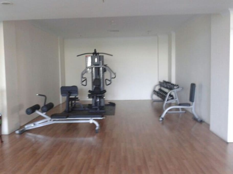 Treatmeals, gym , aerobic room include free in apartemen special for you stay there