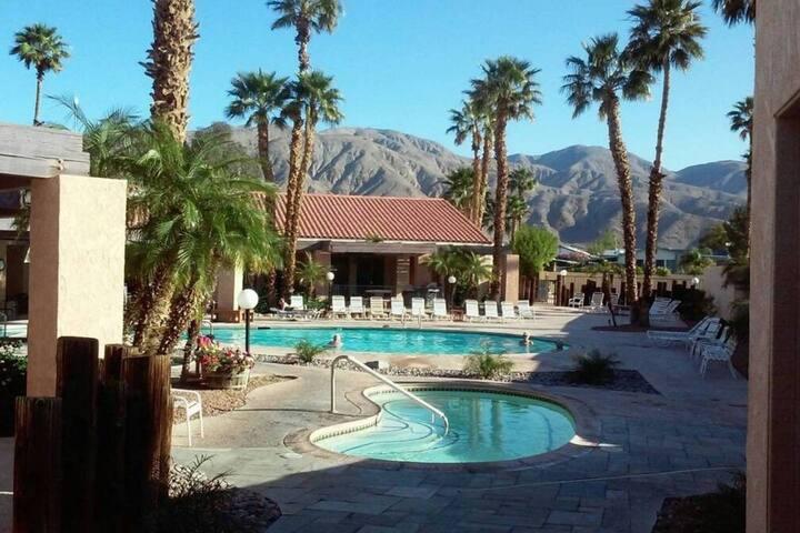 Resort Vacation Home/Hot Springs/Restaurant - Desert Hot Springs - Holiday home