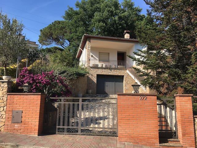 Casa Montseny Riells i Viabrea