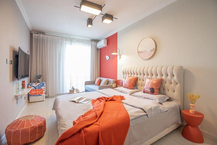 摩洛哥红   海景 地暖丨近燕大 茂业天地丨秦皇小巷 燕大小吃街丨可做饭丨沙发床