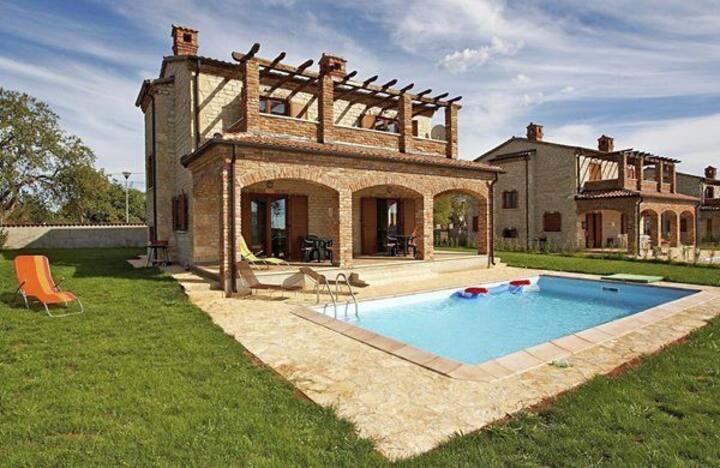 Charming villa Paradise