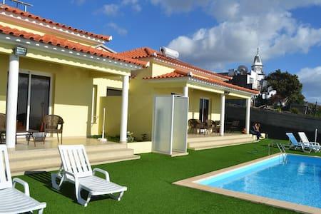 Casa Diana Pool and Sea views