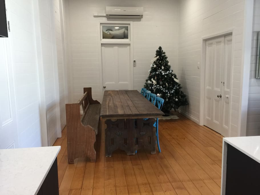 Dinning room directly off kitchen. Seats 8-10 people.