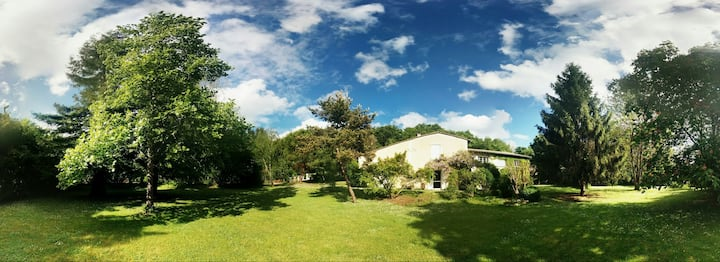 Latresne : maison avec grand jardin