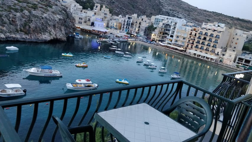 Seafront UNIQUE flat in Xlendi