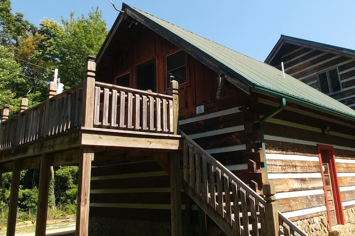 Shadow Ridge Log Cabin Studio