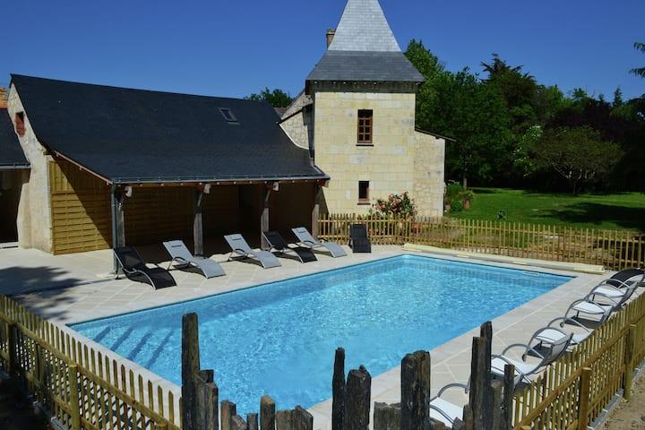 Gemütliches Ferienhaus in Brion mit Schwimmbad