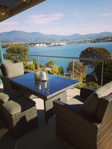 Derwent Waterfront Lodge-10 mins CBD Views+Wifi