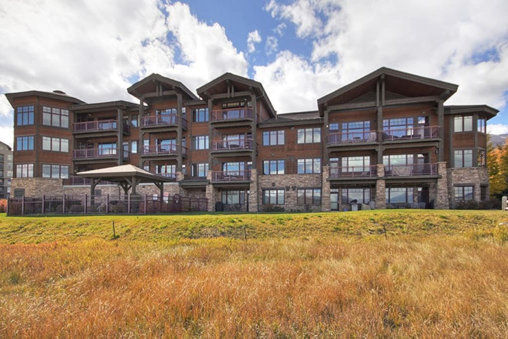 Timberline Cove Rear Exterior