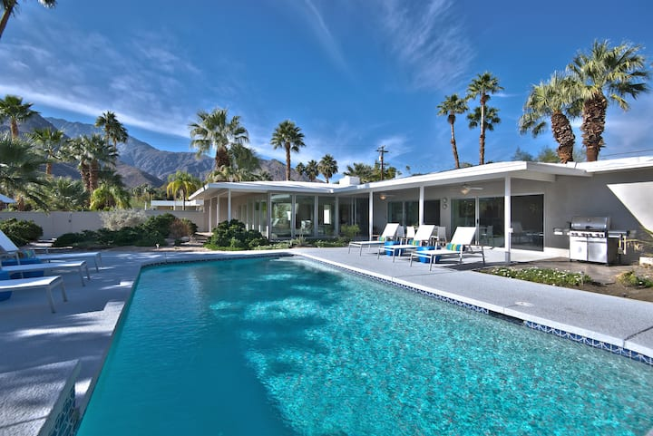 K0040 - Casa Moderna - Midcentury Pool Home in Chino Canyon/Las Palmas Area. Close to Uptown PS!