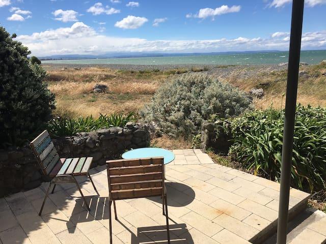 Te Awanga Beachfront Getaway - Te Awanga - Haus