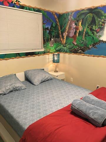 Cozy room in heart of Santa Clara -1