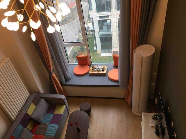【六野】西山湖loft公寓,18年新装,情侣,亲子房 ,豪华装修,超好,体验价!新房推出.....