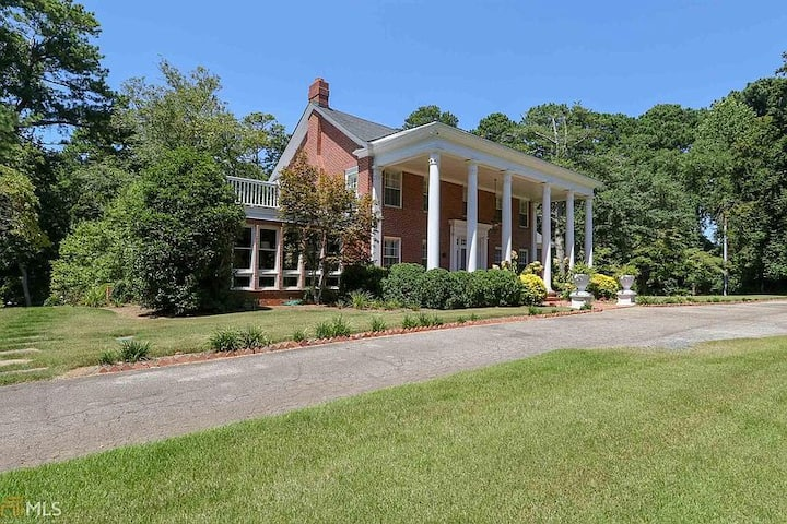 Rosewood - Beautiful Historic Home in Park Setting