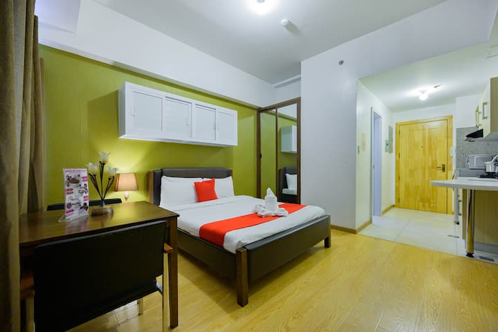 Double Deluxe Condo Unit: 1-min walk to Session Rd