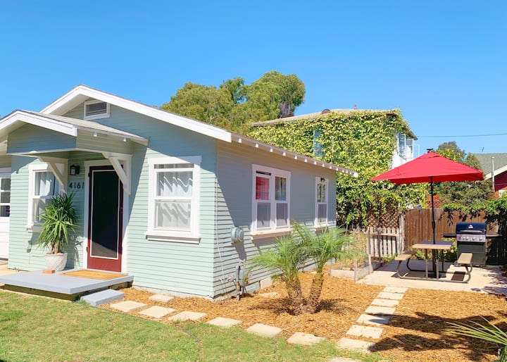 Adorable Quirky Hideaway~BIG Private Enclosed Yard