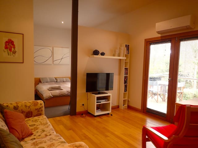 Studio Apartment in the Tamar Valley