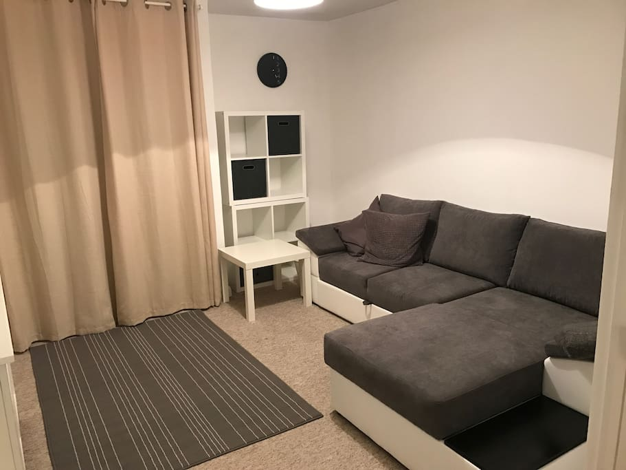 Double Room, can be locked to make two separate apartments, with private shower and toilet. The bed is a Futon pull out bed for 2 guests.