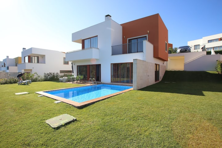 Obidos Lagoon Detached 3 Bed/3 Bath. Villa .