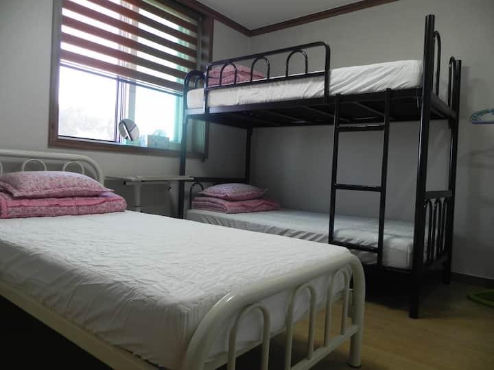 Triple Beds Room(3인실침대방)