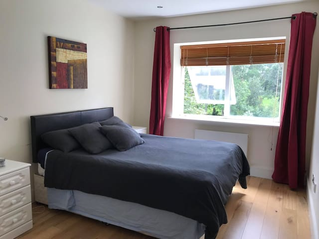 Double room - Private bathroom in Dundrum D16