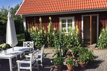 1 Rum och kök i gästhus på landet