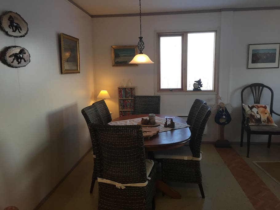 Living room and dining area in Kaldakinn