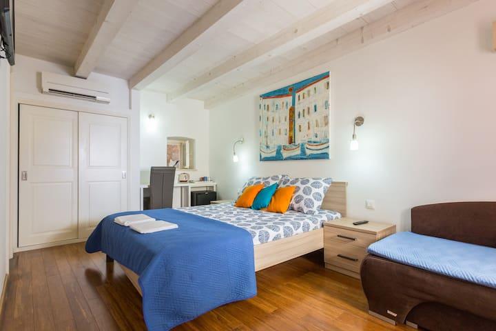 Kerigma- Premium Triple Room with City View