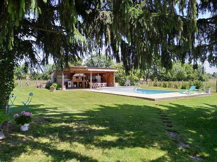 Grande maison à  la campagne, piscine sauna et spa