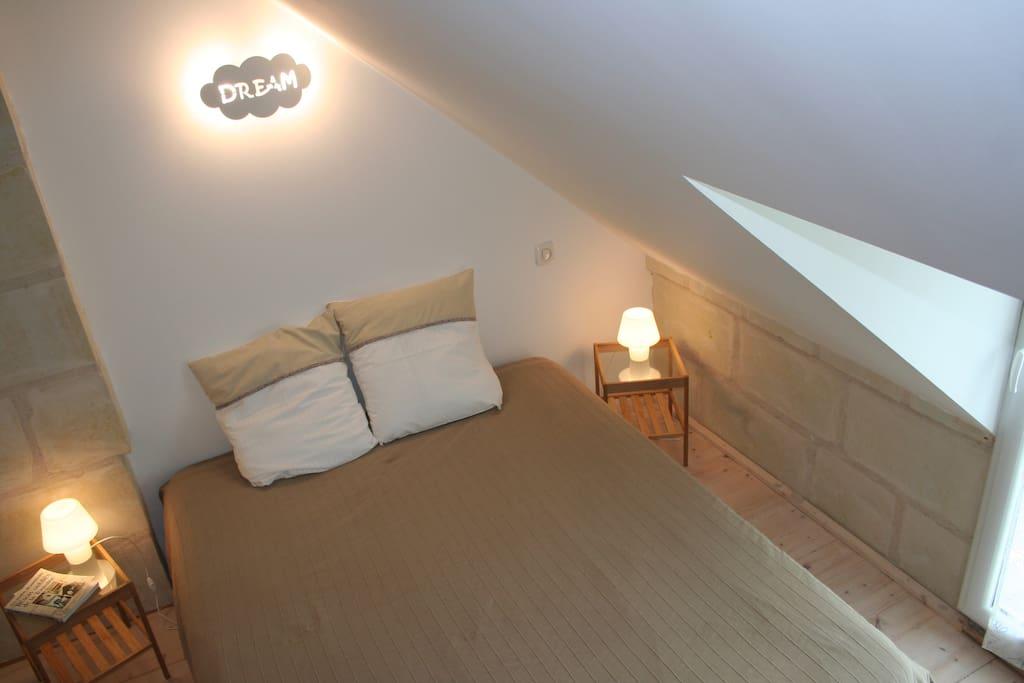 Chambre : lit 160 cm