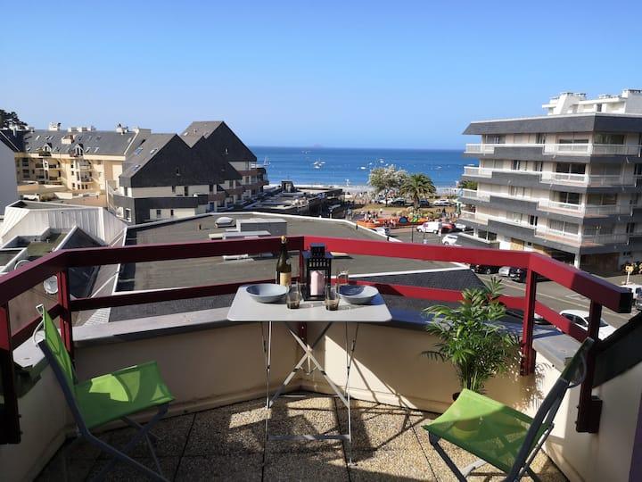 Bel appartement vue mer à 100m de la plage