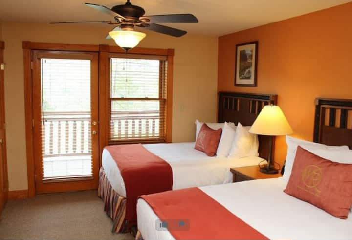 One Bedroom Villa in the Smoky Mountains !