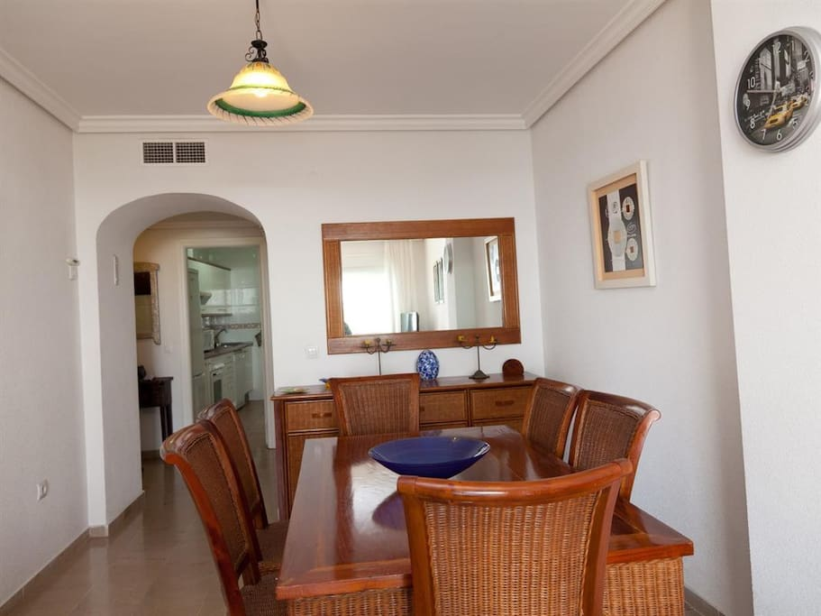 Dining area for 6 persons