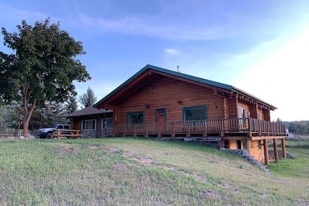 Rustic-Modern Log Home w/ Beautiful Mountain Views