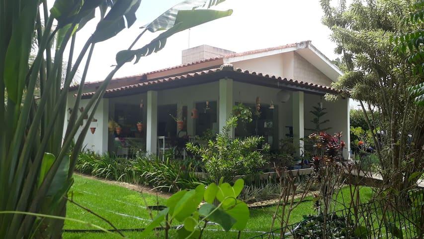 Casa no campo de Pernambuco ao som de pássaros
