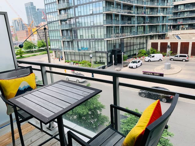 ✦Grand Luxury CN-Tower View 2/2 bedroom apartment✦