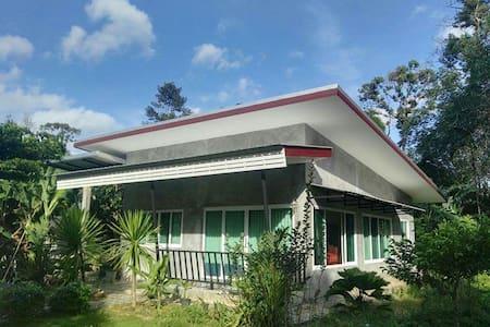 Nice vacation's house in green area - Tambon Bangdi   Hauiyod - Ház