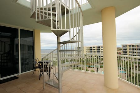 Destin West 3BR End-Unit Penthouse! Rooftop Hot Tub! See Video! - Wohnung