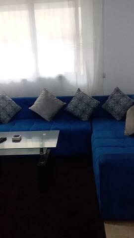 appartement bien meubléet à 2min de la plage