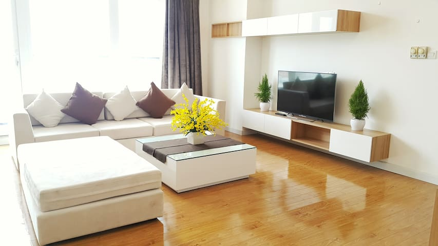 COSMOPOLITIAN LOFT In The City Centre - Ho Chi Minh City - Flat