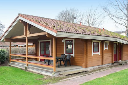 Holiday cottage with 2 bedrooms on 65m² in Gramsbergen