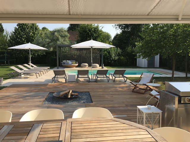 Private and luxurious house&pool 25' from Paris - Feucherolles - Ev