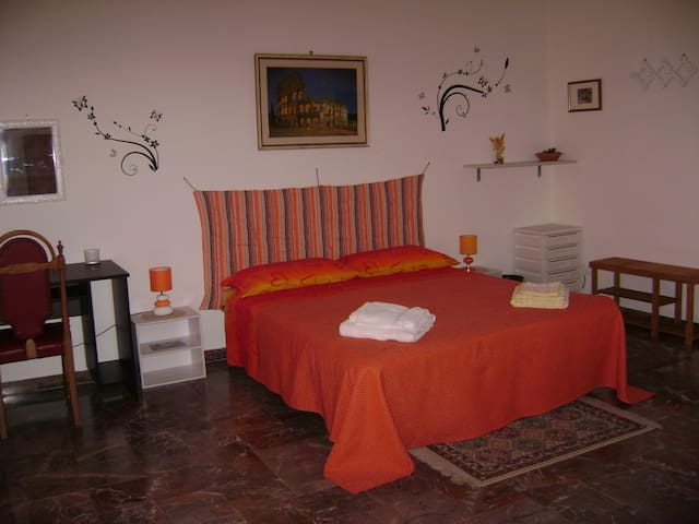 YELLOW ROOM Riviera di Ulisse - Minturno - Bed & Breakfast