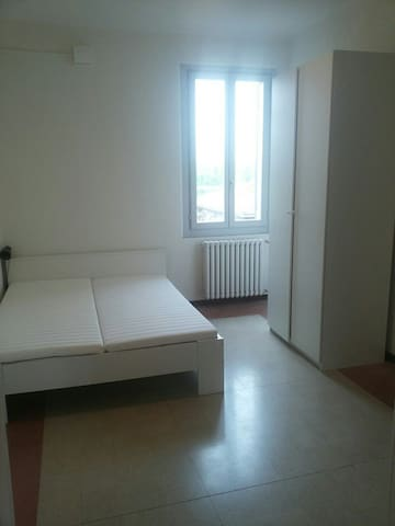 Spazioso e confortevole tre camere - Colorno - Apartment