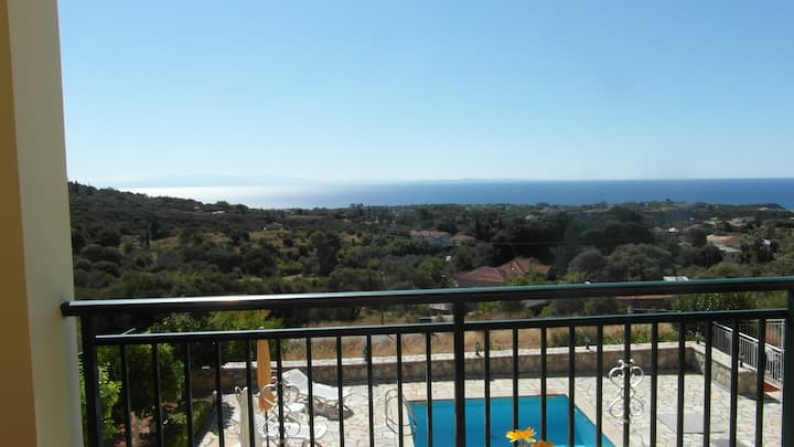 Private Studio2 in Villa with pool close to Skala.
